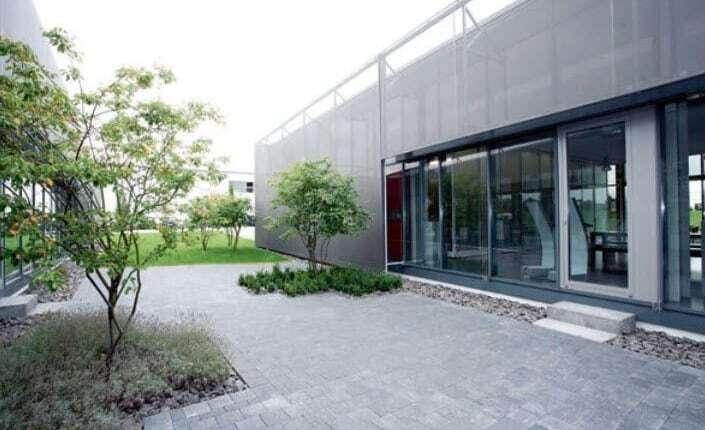 Innenhof der uhlsport GmbH in Balingen-Engstlatt